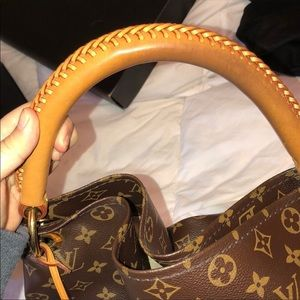 Louis Vuitton Bags - Artsy mm